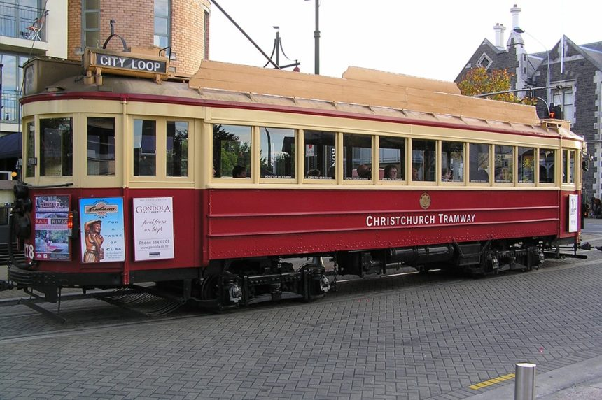 nz-country-info-christchurch-tram