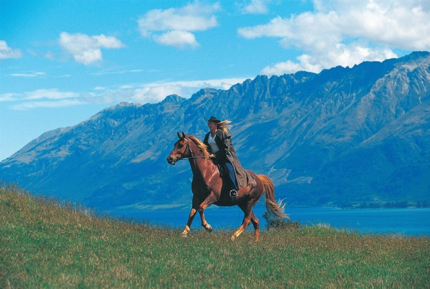 nz-country-info-glenorchy-horseback-riding
